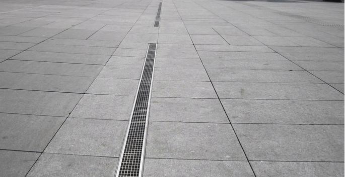 厦门高档小区线性排水沟案例图